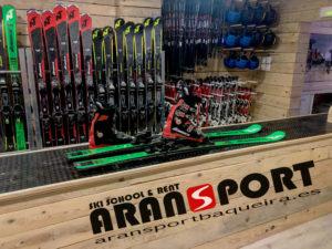 Nueva Escuela/ Tienda / Alquiler de esquís en Vielha Val d'Aran.